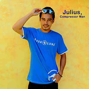 "Julius Entea ""Use"" - Compressor Man"